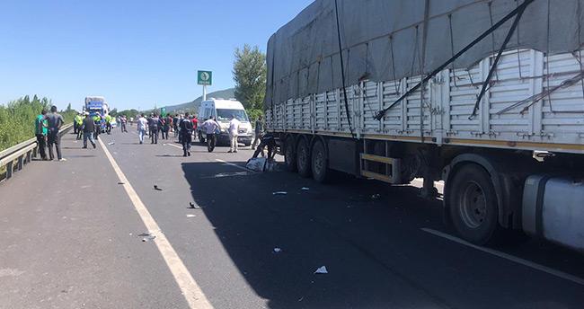 Konya'da tır motosiklete çarptı: 2 ölü, 2 yaralı