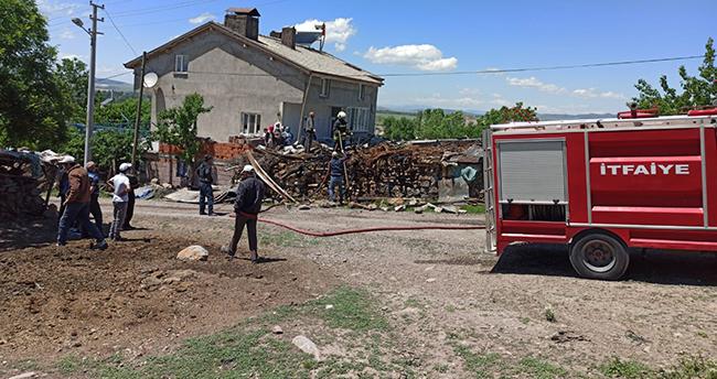 Seydişehir'de ağılda çıkan yangın, itfaiye ekiplerince söndürüldü