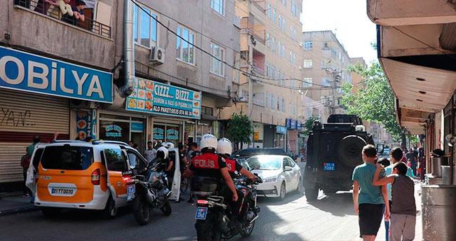 Dur ihtarına uymayıp polise ateş açtı: 1 şehit