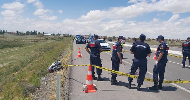 Aksaray-Konya kara yolunda traktöre çarpan motosikletin sürücüsü öldü