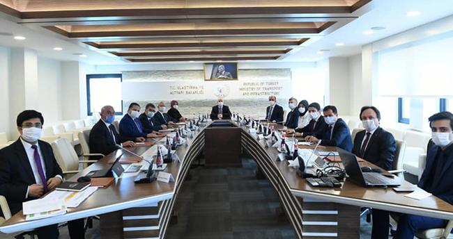 Konya heyetinden Ulaştırma Bakanına ziyaret! Konya projeleri konuşuldu