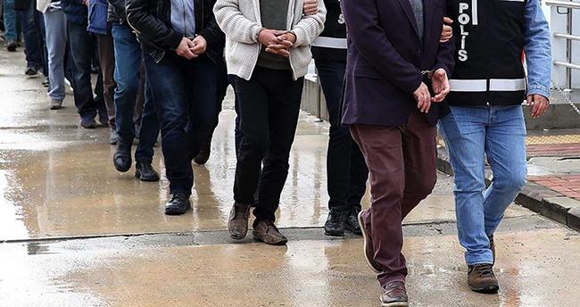 Konya'nın da olduğu 13 ilde FETÖ soruşturmasında 74 eski polis için yakalama kararı
