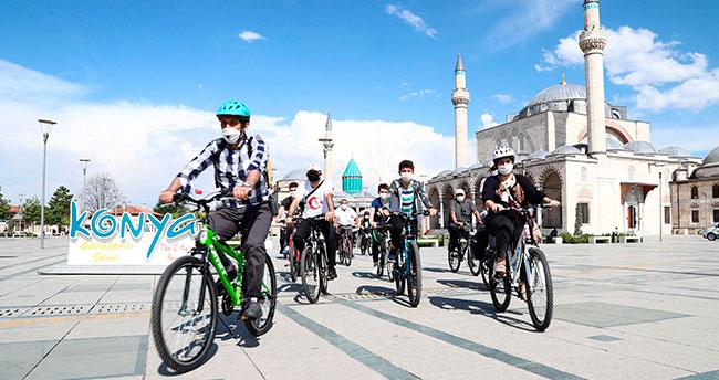 Konya Büyükşehir'den bisikletle şehir turu etkinliği