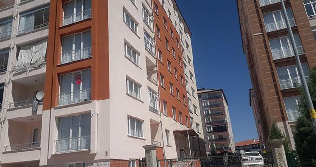 Konya'da bir apartman koronavirüs karantinasına alındı