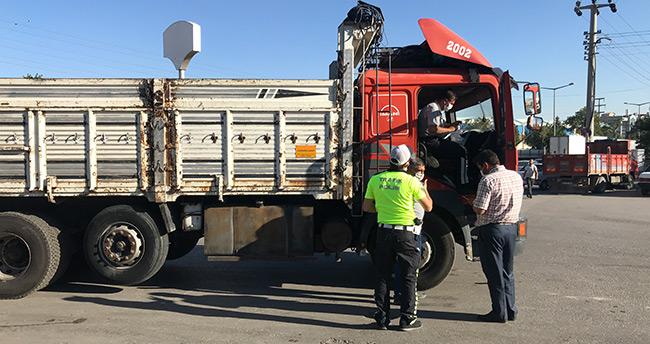Konya'da kamyonla motosiklet çarpıştı: 1 ölü