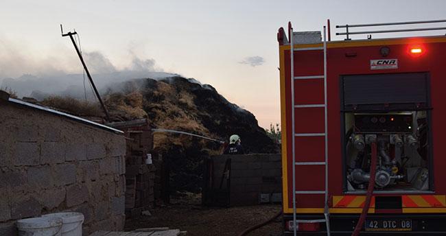 Konya'da çıkan yangında 2 bin 500 saman balyası kül oldu
