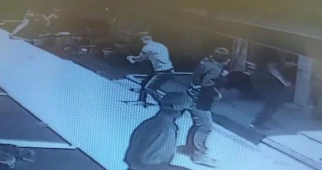 Konya'da çıkan silahlı kavgada 2'si ağır 9 kişi yaralandı! Yaralılardan 4'ünün, yoldan geçen vatandaş