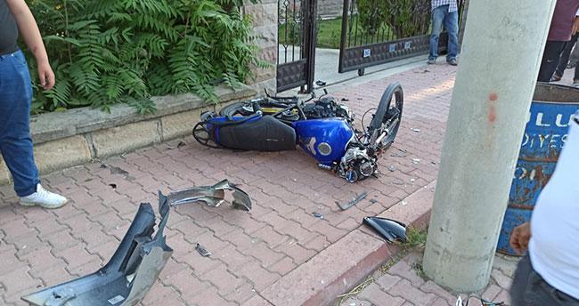 Konya'da otomobille çarpışan motosiklette lise öğrencisi sürücü hayatını kaybetti