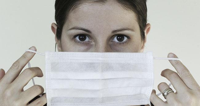 Çenede, düğmede, kolda, kafada…Bu hataları asla yapmayın! İdeal maske nasıl olmalı?