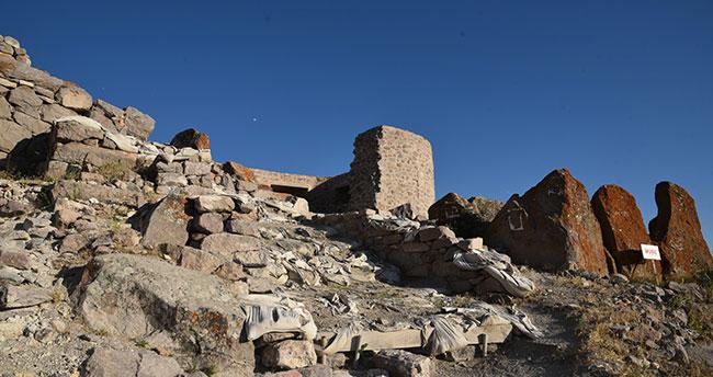 Konya'daki Gevale Kalesinde kazı çalışmaları sürüyor