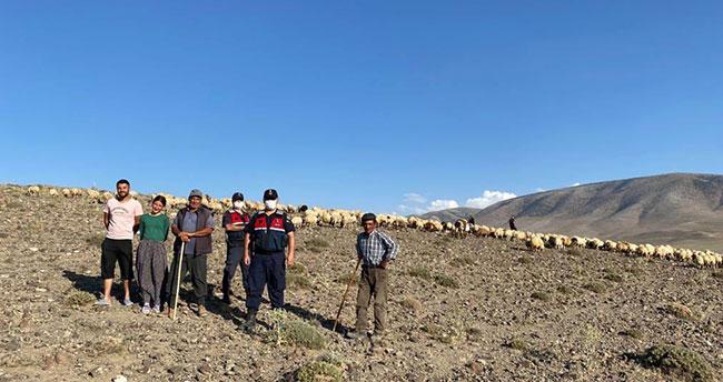 Konya'da kaybolan koyun sürüsünü jandarma dronla buldu