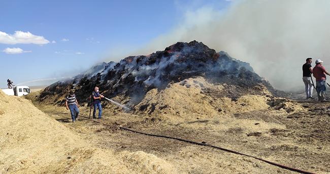 Konya'da çıkan yangında 10 bin saman balyası yandı