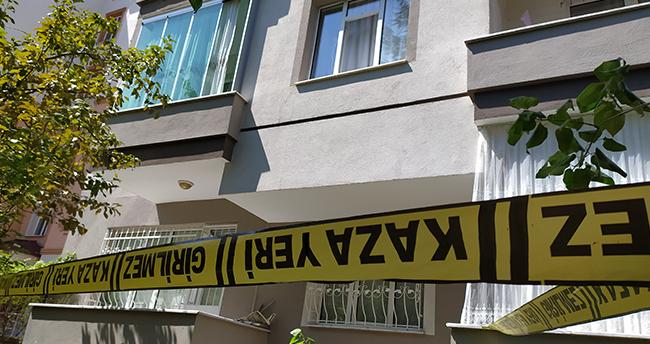 Konya'da birinci kattaki evinin penceresinden dışarıya bakmak isteyen yatalak hasta düşerek öldü
