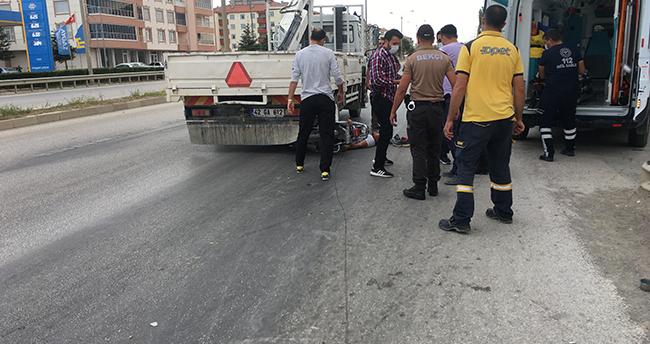 Konya'da kamyonete arkadan çarpan motosikletin sürücüsü yaralandı