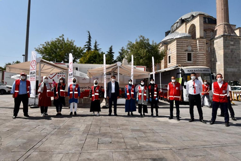 Başkan Hasan Kılca'dan Kızılayın kan bağışı kampanyasına destek