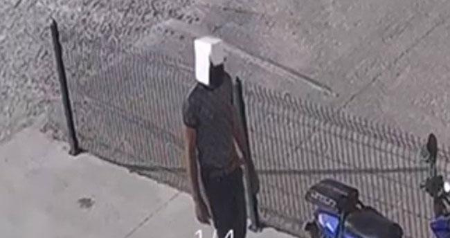 Konya'da kafasına geçirdiği karton kutuyla motosiklet çalan şüpheli kameraya yakalandı
