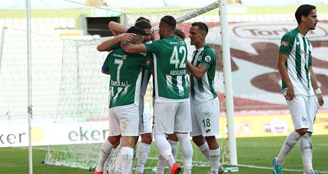 İttifak Holding Konyaspor Beşiktaş'ı 4-1 mağlup etti