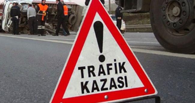 Afyonkarahisar-Konya kara yolunda tıra çarpan otomobilin sürücüsü hayatını kaybetti