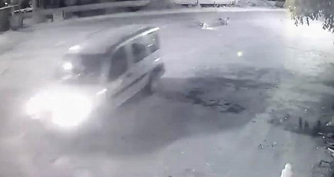 Konya'da motosiklet hafif ticari araca arkadan çarptı: 2 yaralı