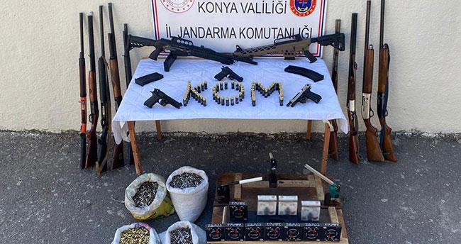 Konya'da jandarmanın operasyonunda 11 ruhsatsız av tüfeği ele geçirildi