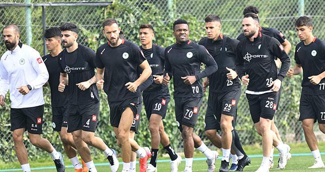 Konyaspor'da izin sona erdi