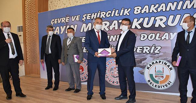 Bakan Kurum'un katkıları ile alınan tabletler, Karapınar'da okul müdürlerine teslim edildi