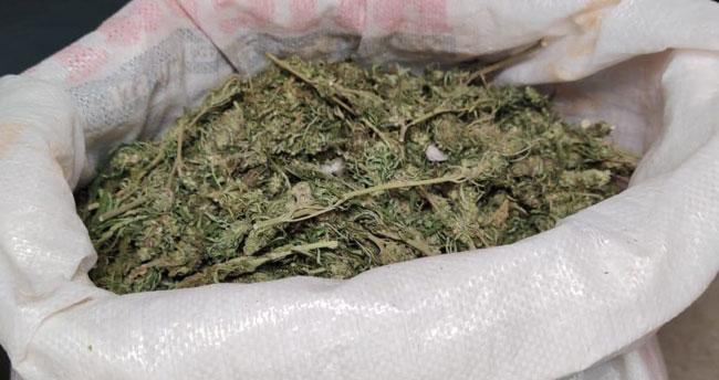 Konya'da uyuşturucu operasyonunda 3 kilo 615 gram kubar esrar ele geçirildi