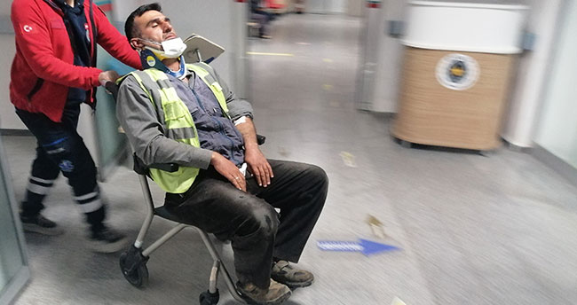 Aksaray'da otoyol işçilerini taşıyan minibüs devrildi: 14 yaralı
