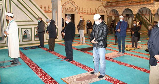 Nasreddin Hoca'nın torunları sabah namazında buluştu