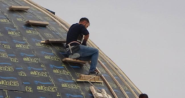 Aksaray'da işçiler inşaatta cambaz gibi çalışıp yürekleri ağza getirdiler