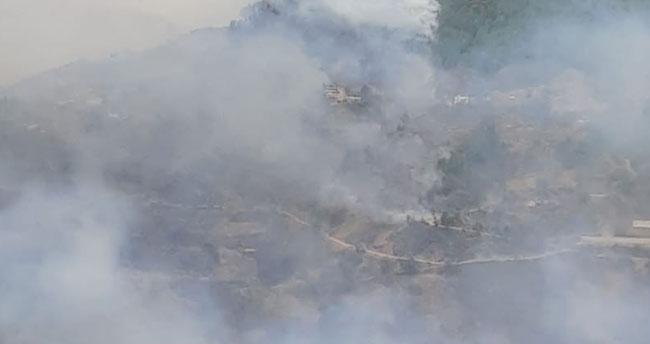 Anamur'da orman yangını! 50 hane boşaltıldı