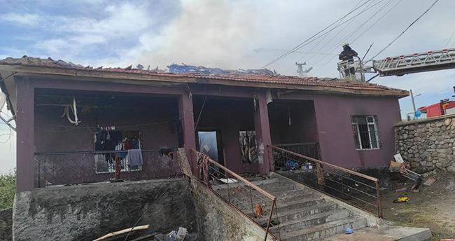 Konya'da müstakil ev yandı