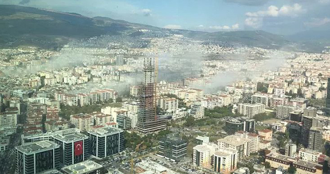 İzmir'de çok şiddetli deprem! Acı haberler geliyor!