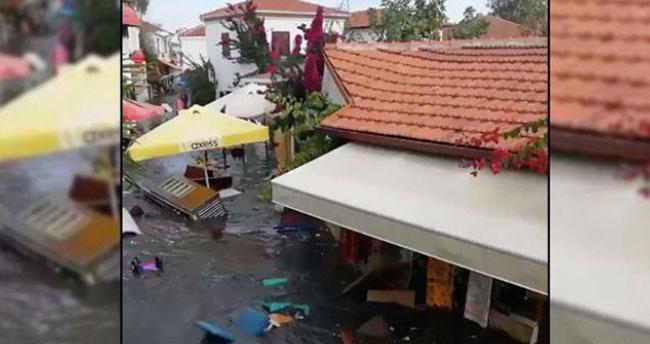 Seferihisar'da tsunami: Sokakları deniz suyu bastı
