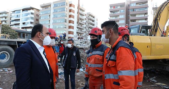 Başkan Altay İzmir'de deprem bölgesini ziyaret etti