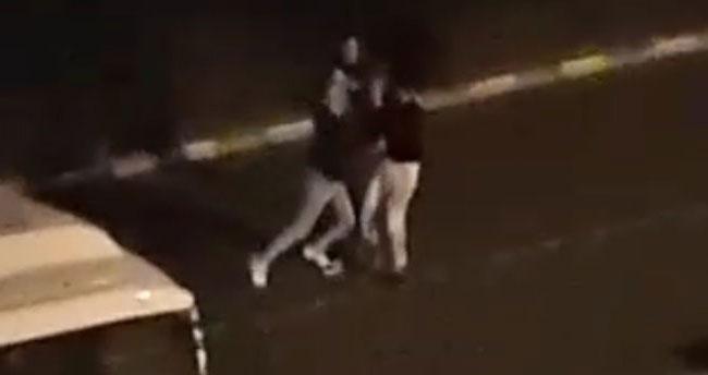 Konya'da bir genç sokak ortasında tekme tokat dövüldü! O anlar kamerada
