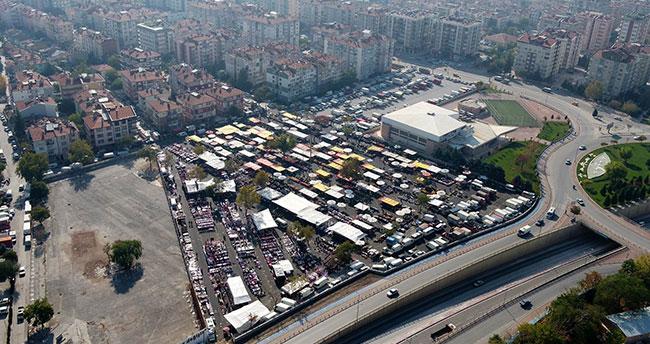 Selçuk Belediyesi semt pazar alanlarındaki trafik sorununu çözüyor