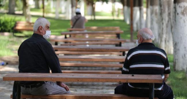 İstanbul ve Ankara başta olmak üzere 14 şehirde 65 yaş üstüne sokağa çıkma yasağı geldi! Konya'da da yasak olacak mı?