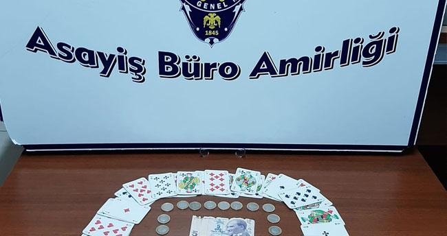 Konya'da 4 kişiye kumar oynamaktan para cezası