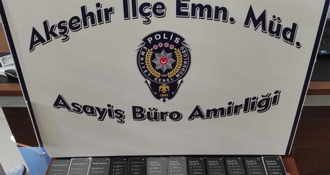 Konya'da gümrük kaçağı 29 telefon ele geçirildi