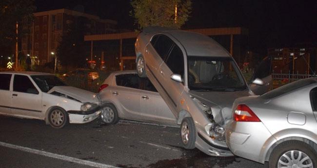 Malatya'da zincirleme kaza: 6 araç birbirine girdi