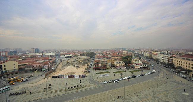 Konya'da tarihi dönüşüm için Mevlana Çarşısı'nın yıkımı tamamlandı