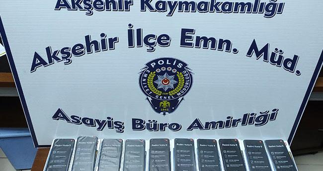 Akşehir'de gümrük kaçağı 10 cep telefonu ele geçirildi