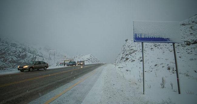 Konya- Antalya yolunu kullanacak sürücüler dikkat! Alacabel'de kar etkili oldu