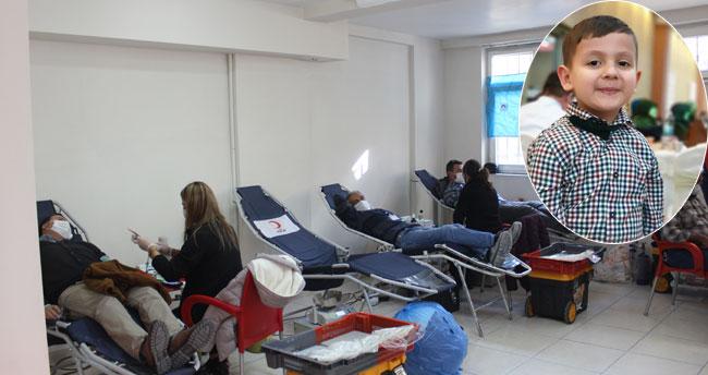 Vatandaşlar seferber oldu! Konya'da minik Uygar için kök hücre bağışı kampanyası