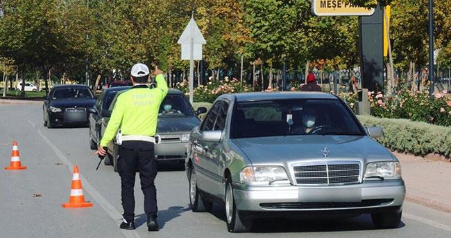 Konya'da bin 29 sürücüye cep telefonu ile konuşmaktan cezai işlem uygulandı