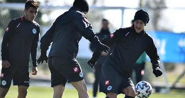 Konyaspor'da Aytemiz Alanyaspor maçı hazırlıkları sürüyor