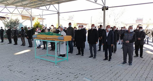 Konya'da sobadan sızan gazdan zehirlenerek ölen 3 arkadaşın cenazeleri toprağa verildi