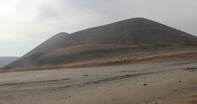 Kuruyan Meke Gölü çöle döndü