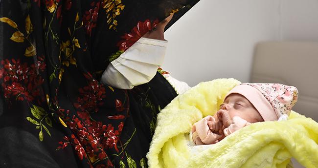 Konya'da 520 gram doğan Nisa bebek 142 gün sonra taburcu oldu
